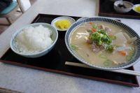 豚汁定食 680円なり