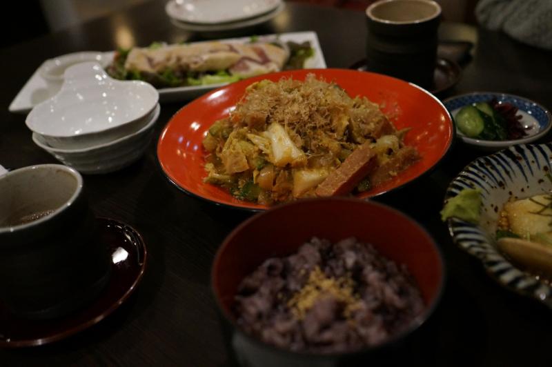 沖縄郷土料理 「舟蔵」にて